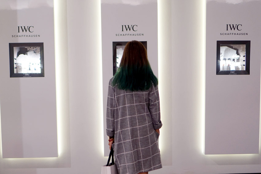 IWC is really known for having 40mm, 45mm, and 46mm watches that's why the new midsize Portofino collection is something else. For women who prefer smaller watches, you'll definitely love this collection. And it's really not just of the size, it's also the diamonds and design that makes it strikingly beautiful. Don't worry, they also have watches without diamonds for guys.