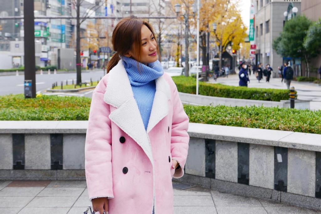 pink coat street style 3