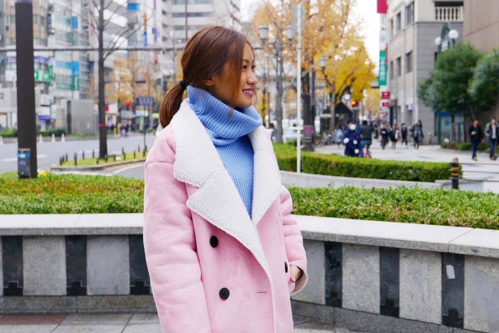 pink coat street style 5