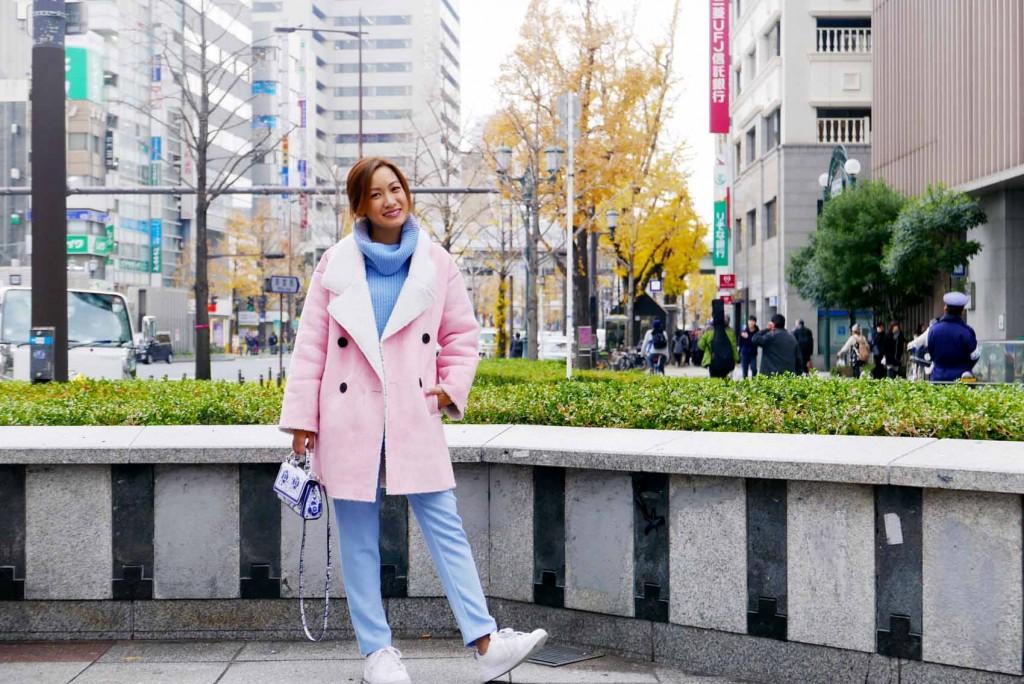 pink coat street style 6