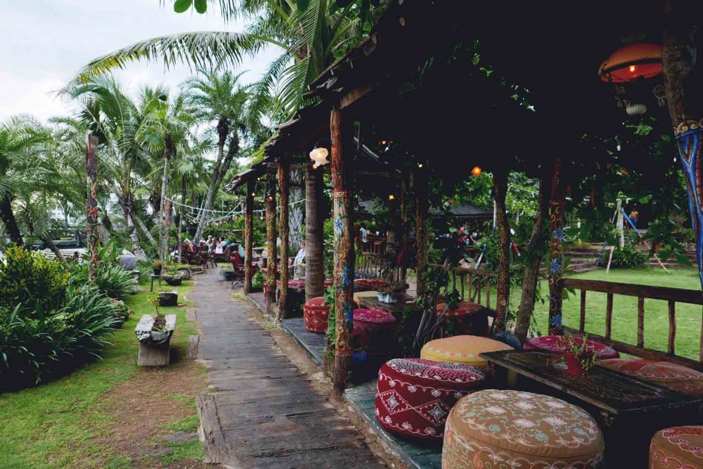 5. La Laguna in Canggu. The place is huge and it will make you feel like you're one with nature. Lol. It's such a nice place for happy hour/ sunset session because the place makes you feel so relaxed. Good resto bar to bond with your friends— the only thing I noticed is they do have a lot of insects lurking around, so make sure to bring insect repellant spray when you're going here.