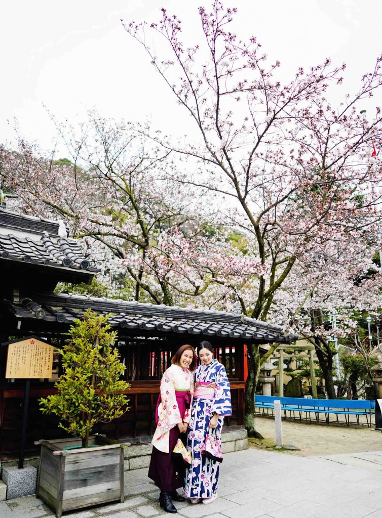 We went around Hiroshima and stopped by Kosanji Temple. Best time to go is during their cherry blossom season. Everything is just so beautiful!