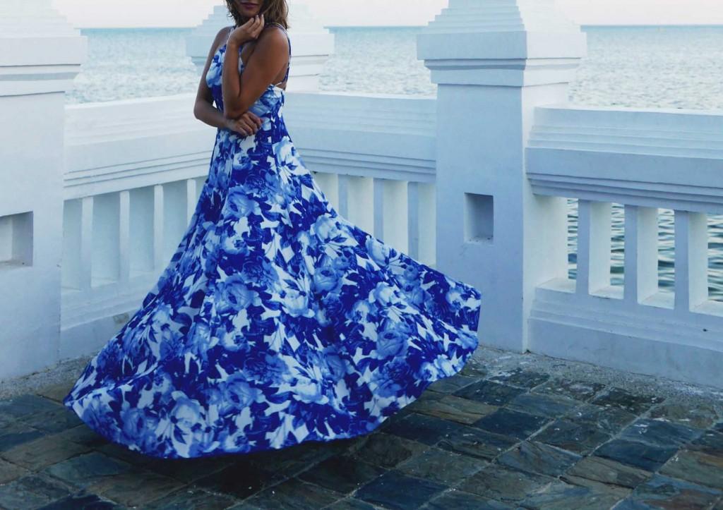 Blue flowy dress street style